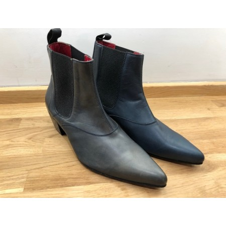 Ex-Display: Winkle Picker Blue Leather Size Euro 41.5