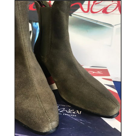 Clearance Lot 191 - Original Chelsea Boot Green Suede Size 40